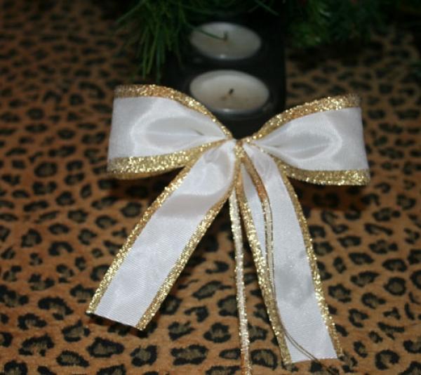 schleifenparadies edle weihnachtsschleife weiss und gold. Black Bedroom Furniture Sets. Home Design Ideas