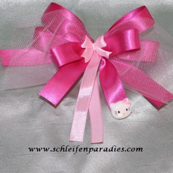 Hello Kitty-Style, Satinschleife in Pink