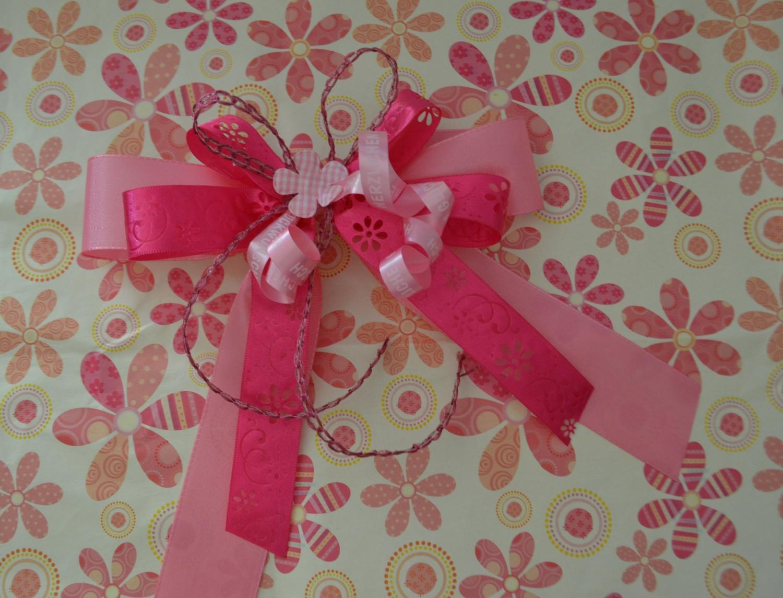 Schleifenparadies - Geschenkschleife mit passendem Geschenkpapier