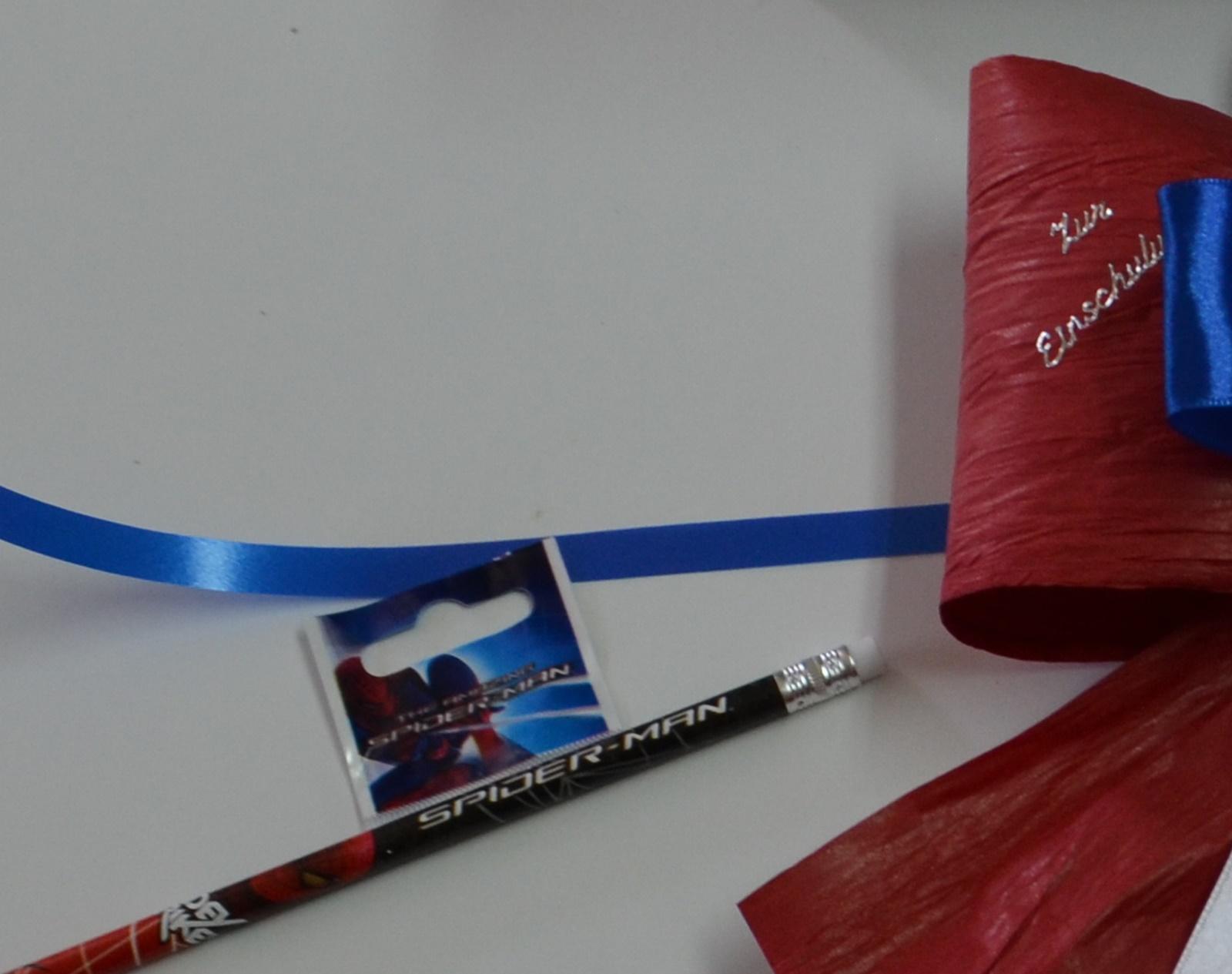 schleifenparadies schleife rot blau f r spiderman. Black Bedroom Furniture Sets. Home Design Ideas